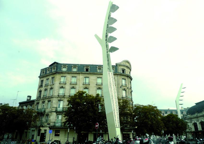 Mâts d'éclairage Gare Saint-Jean